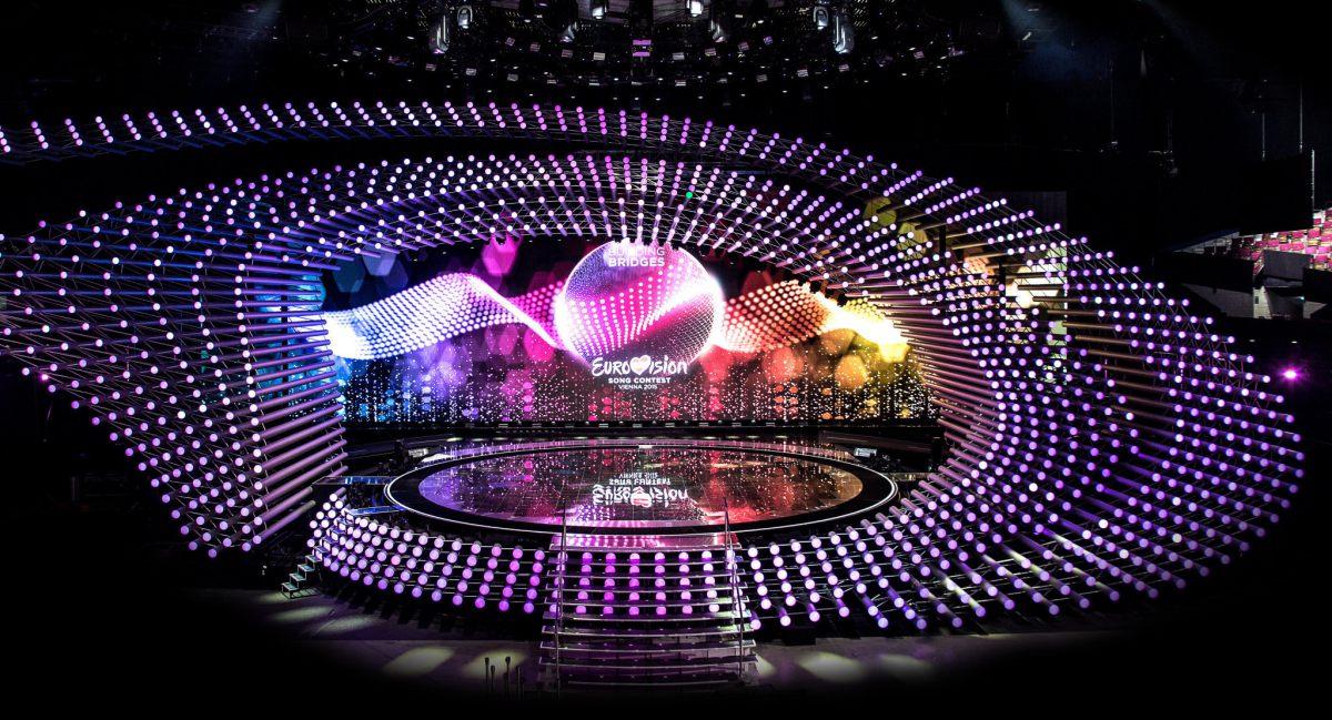Tilkomumikið svið! Mynd: Eurovision.tv